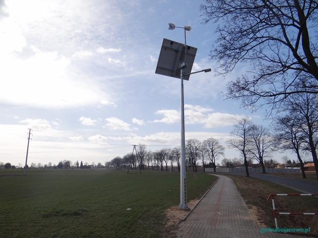 Zamontowano oświetlenie na ścieżce pieszo-rowerowej między Gołaszynem a Tarchalinem