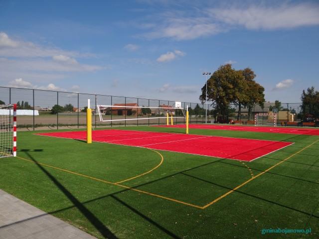 Budowa wielofunkcyjnego boiska sportowego służącego rekreacji w Golinie Wielkiej