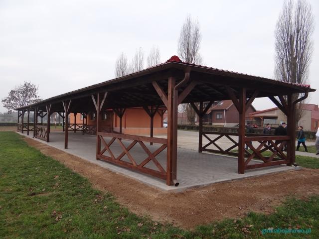 Budowa wiaty drewnianej służąca rekreacji dla mieszkańców wsi